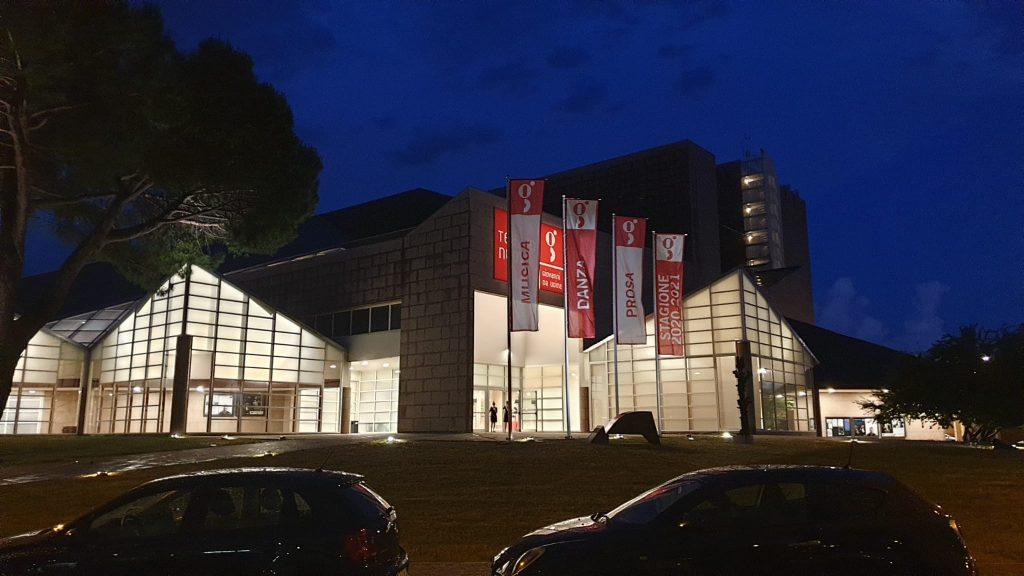 teatro Giovannida Udine